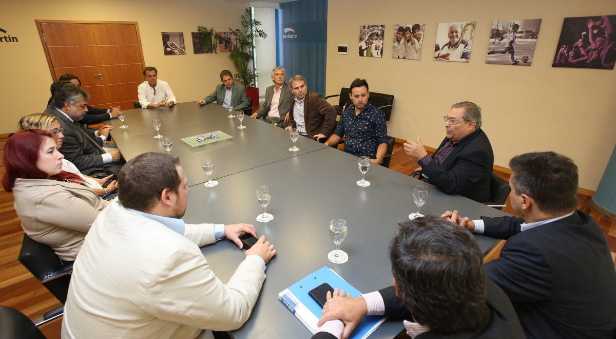 El municipio firm un convenio de colaboraci n mutua con for Oficina de defensa del consumidor